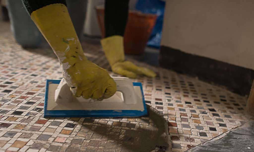 I maestri artigiani del mosaico di italia bellissima